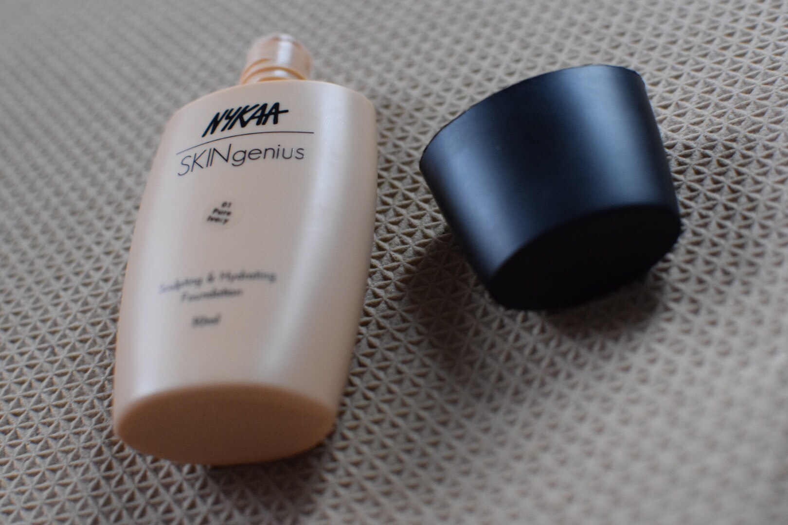 Nykaa Skingenius Sculpting & Hydrating Foundation